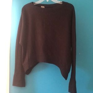 Sweaters - Crop, oversized black sweater with tight sleeves